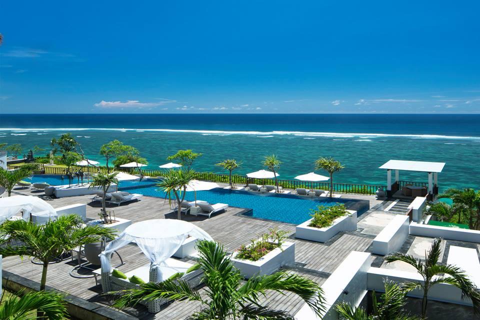Pemandangan di salah satu sudut Samabe Suites and Villas Bali.