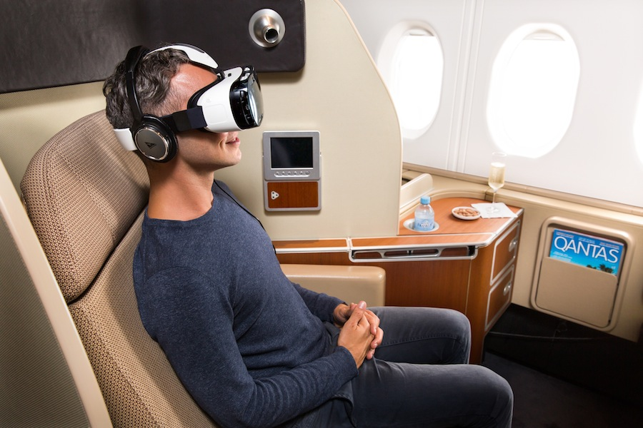 Qantas akan gunakan alat virtual reality produksi Samsung.