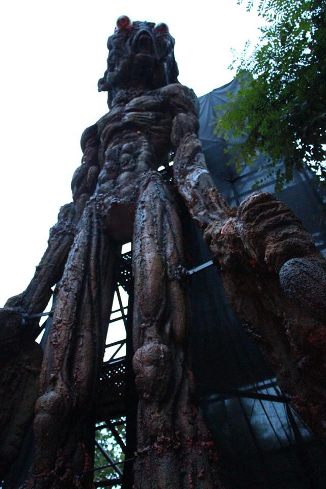 Patung hantu Petra setinggi 10 meter di Fort Siloso.