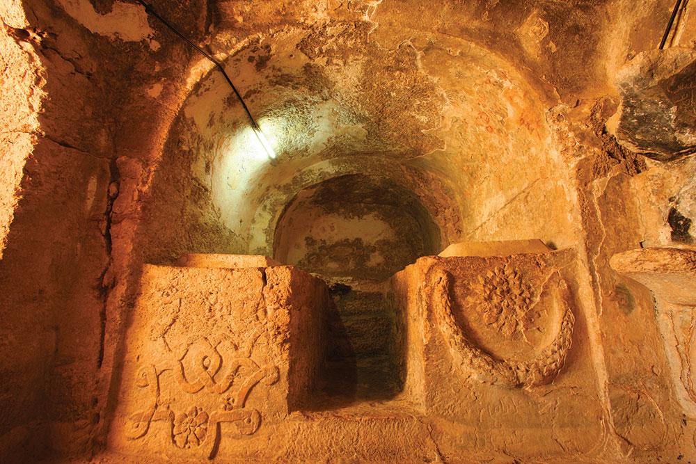 Interior Goa Ashabul Kahfi yang termaktub dalam Alquran.
