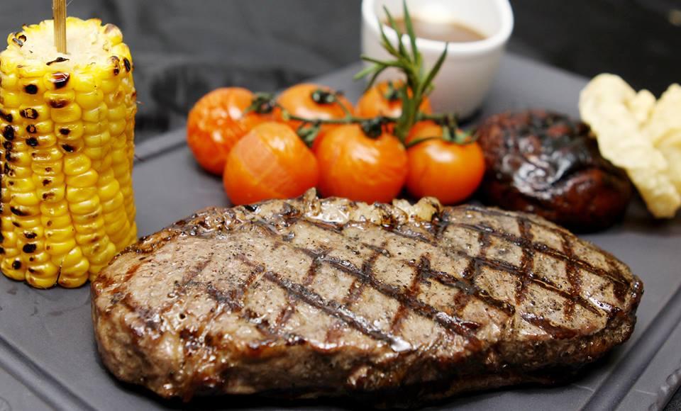 Salah satu hidangan steik di B.A.T.S.