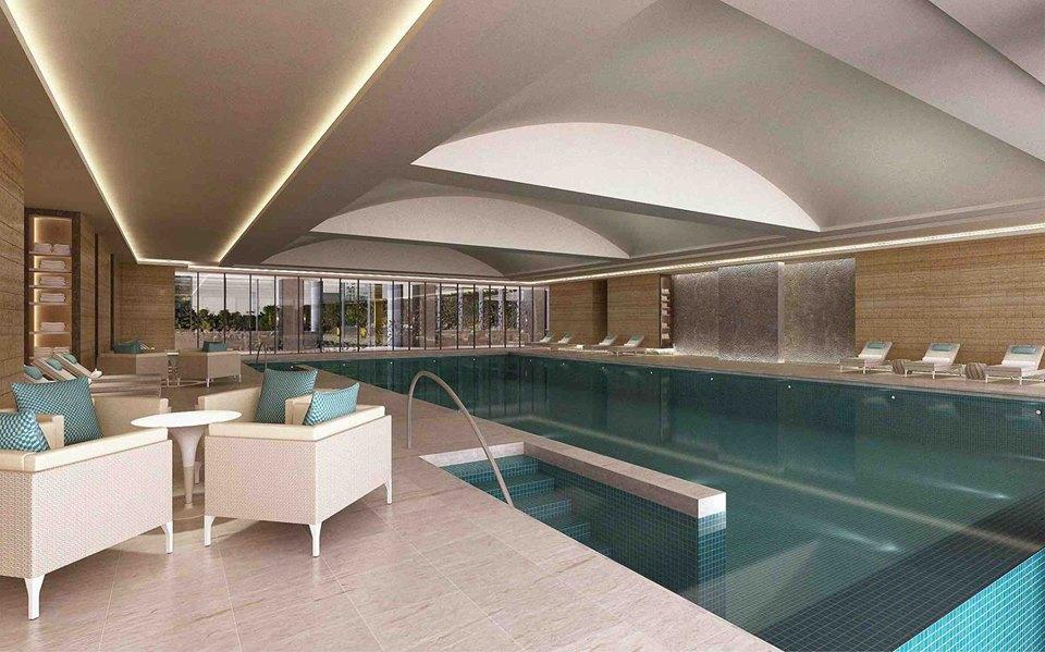 Kolam renangnya dilengkapi dengan alat pengatur suhu air.