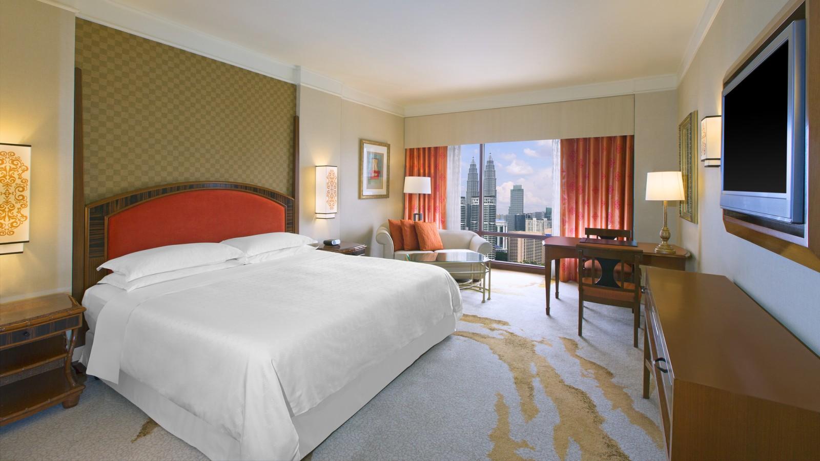 Kamar tipe Deluxe di Sheraton Imperial Kuala Lumpur.