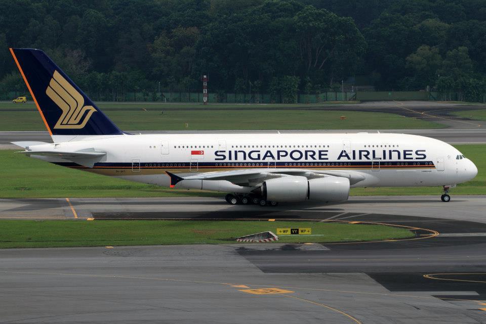 Penerbangan Singapore Airlines ke Auckland dioperasikan menggunakan pesawat raksasa Airbus 380.