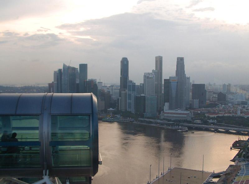 Singapura menduduki peringkat puncak negara dengan koneksi internet ponsel paling cepat.
