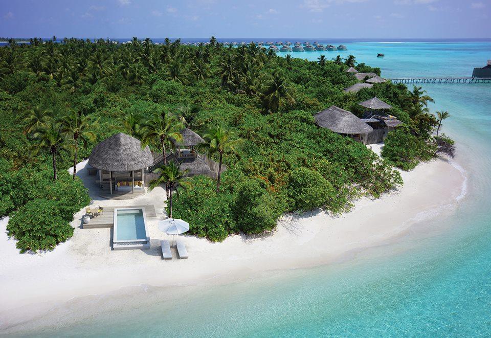 Six Senses Laamu dengan Lagoon Beach Villa berpenampilan baru.