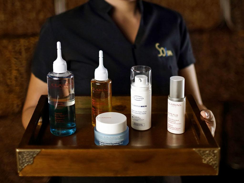 So Spa Bali menggunakan produk keluaran Clarins.