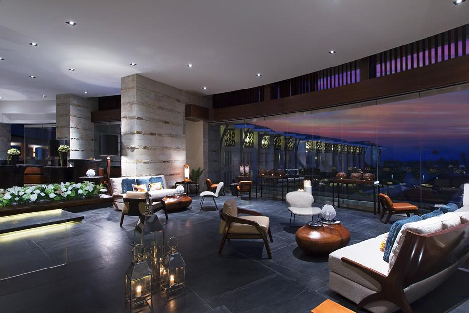 Lobby Lounge yang menyediakan minuman.