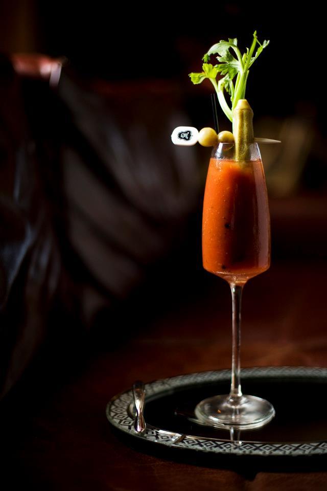 Koktail Bloody Mary yang merupakan minuman khas di properti St. Regis di seluruh dunia.