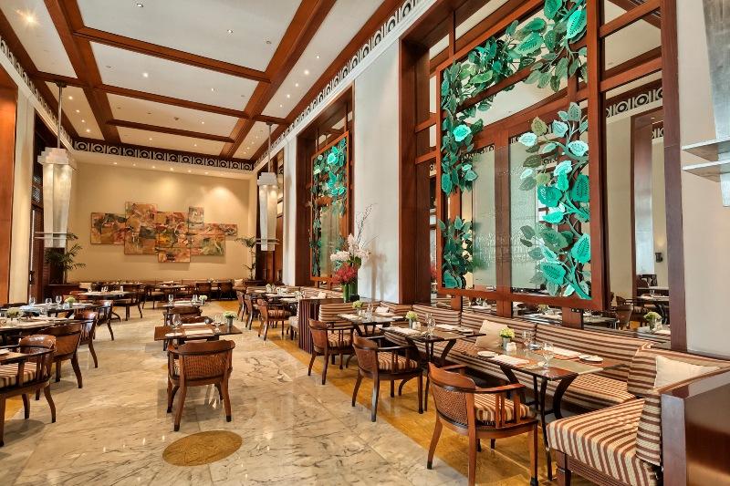 Selain di dalam restoran, Super Brunch di restoran Jakarta juga mencakup halaman belakang restoran.