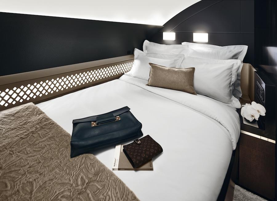 Kamar tidur untuk dua orang di The Residence.