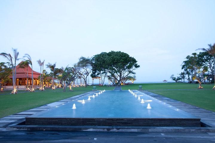 Suasana romantis di Taman Bhagawan.