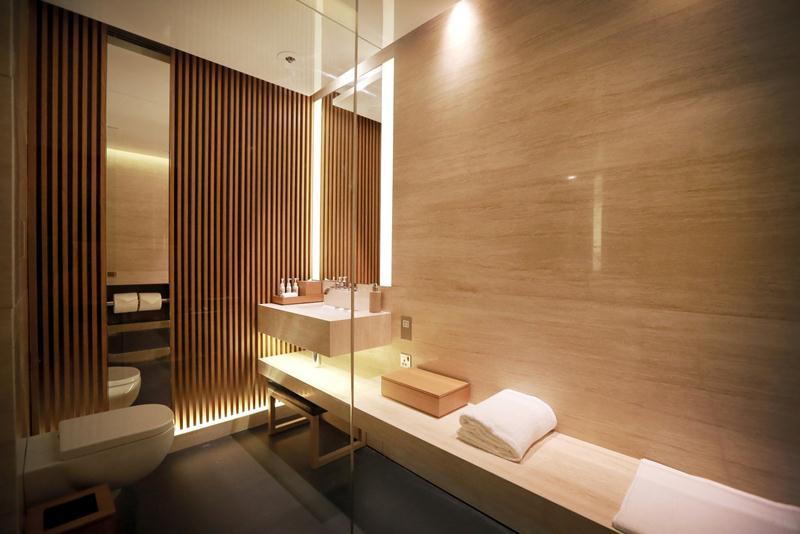 The Shower Suites. Kamar mandi mewah dengan amenities jawara.