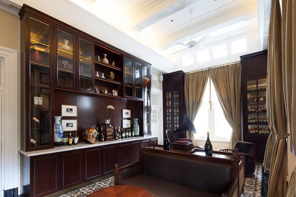 The Hermitage juga memiliki wine lounge dan cigar room.