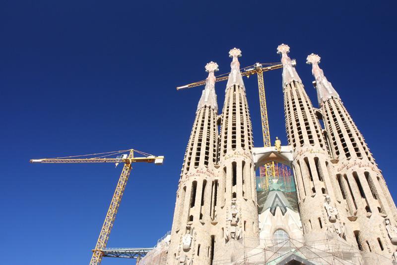 Atap Katedral Sacrada Familia di Barcelona. Tahun ini Spanyol kembali merebut posisi ketiga setelah digeser Tiongkok.