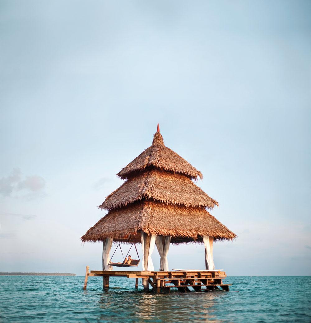 Sea Pagoda di Dedon Island bisa dipesan tamu untuk menggelar jamuan makan dan minum, atau sekadar bersantai melewati waktu.