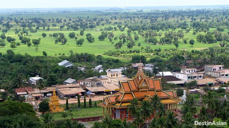 Pagoda Udong, salah satu dari sekian banyak pagoda di Kamboja.