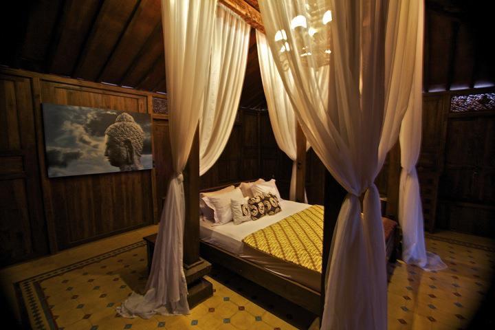 Kamar tipe Kinari di Villa Borobudur.