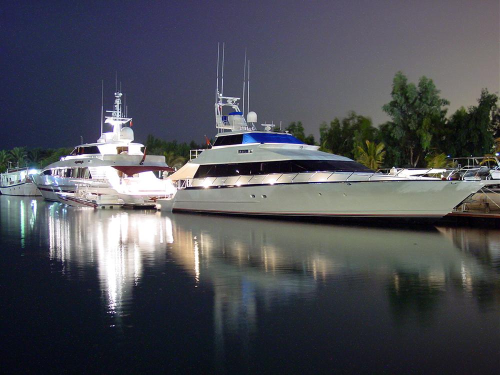 Yacht di Jebel Ali Resort Marina.