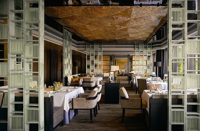 Ruang makan utama.