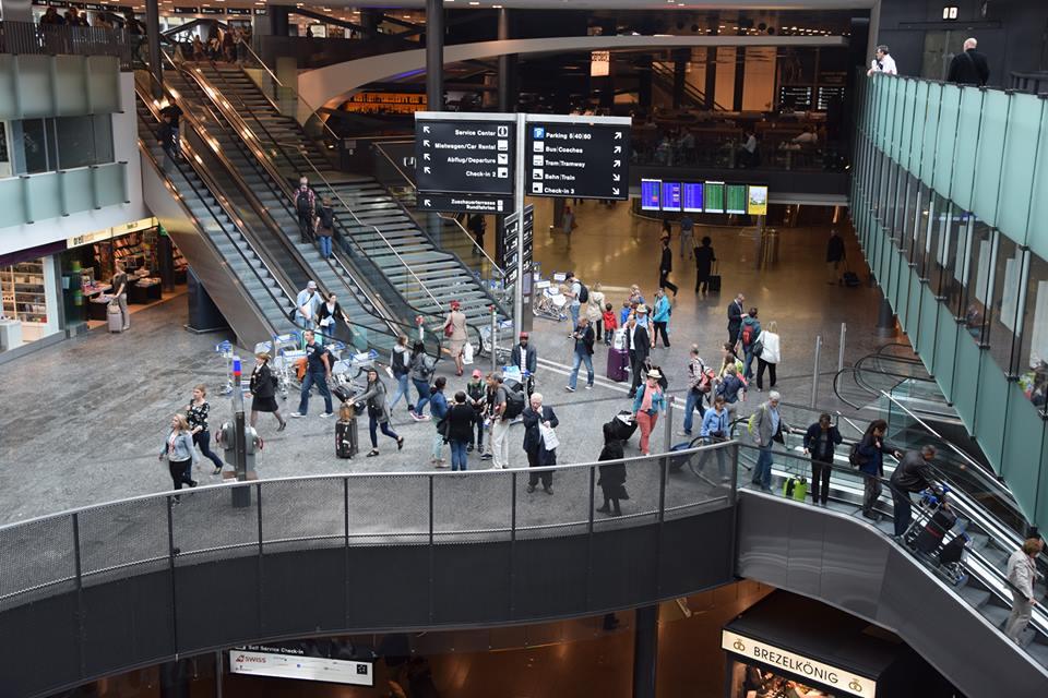 Suasana di Bandara Internasional Zurich. Eropa berhasil menempatkan empat wakilnya di daftar 10 bandara terbaik dunia.