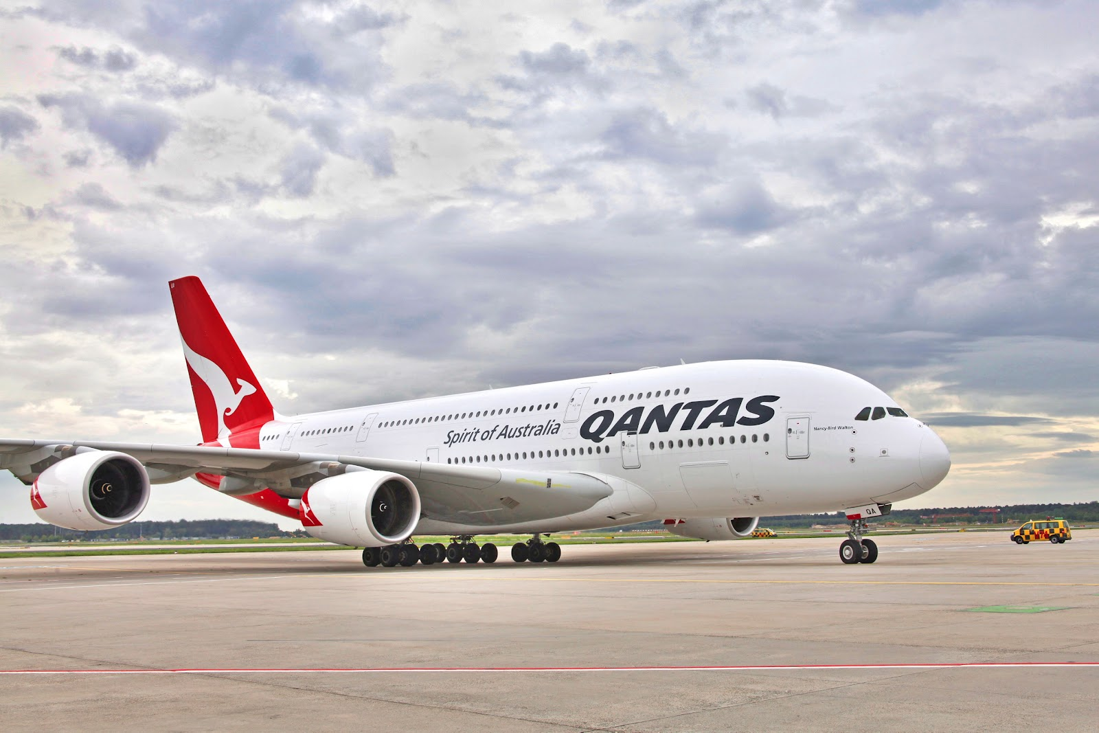 Image result for pesawat qantas airways
