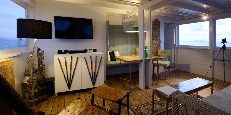 Kamar tidur utama dilengkapi dengan amenities layaknya hotel bintang lima.