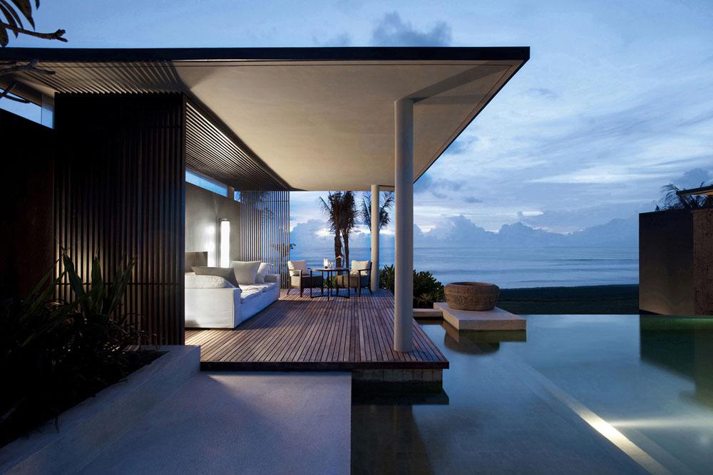 Ocean Pool Villa dengan kolam renang privat.