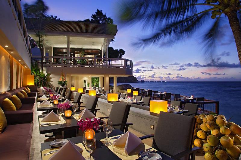 Restoran Italia, La Gritta dengan pemandangan matahari terbenam.