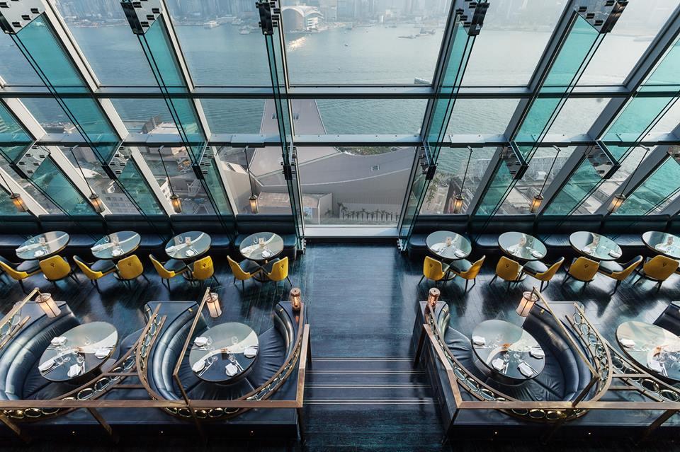 Aqua merupakan salah satu restoran dengan desain terbaik.
