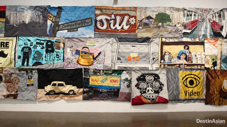 Karya seni buatan Eko Nugroho yang menggabungkan 41 gambar.