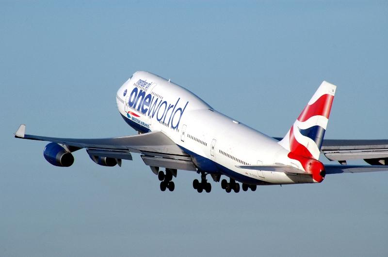 British Airways, maskapai nasional Inggris yang menjadi anggota oneworld.