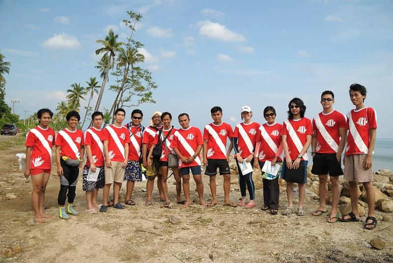 Anggota Marine Buddies kerap melakukan kegiatan edukatif di destinasi-destinasi selam.