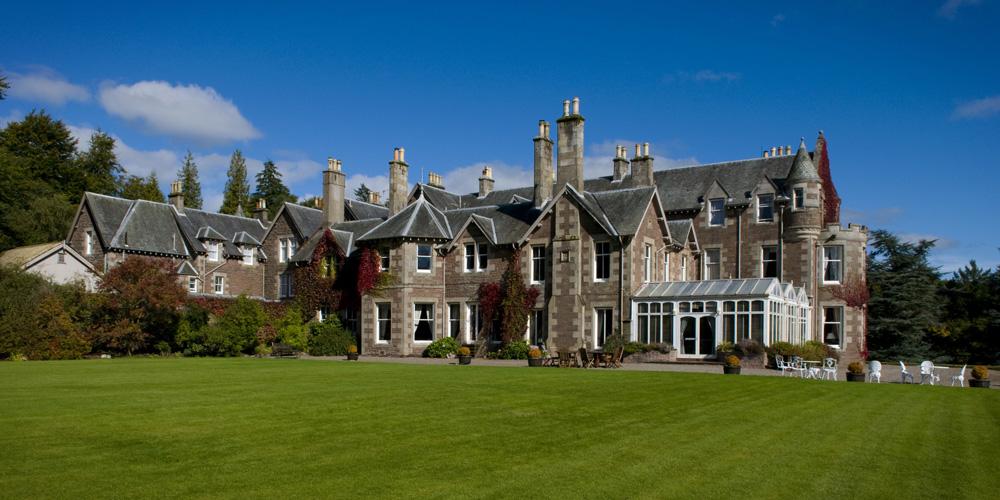 Rumah ini dibangun pada 1874 dan memiliki lahan seluas 13 hektare.