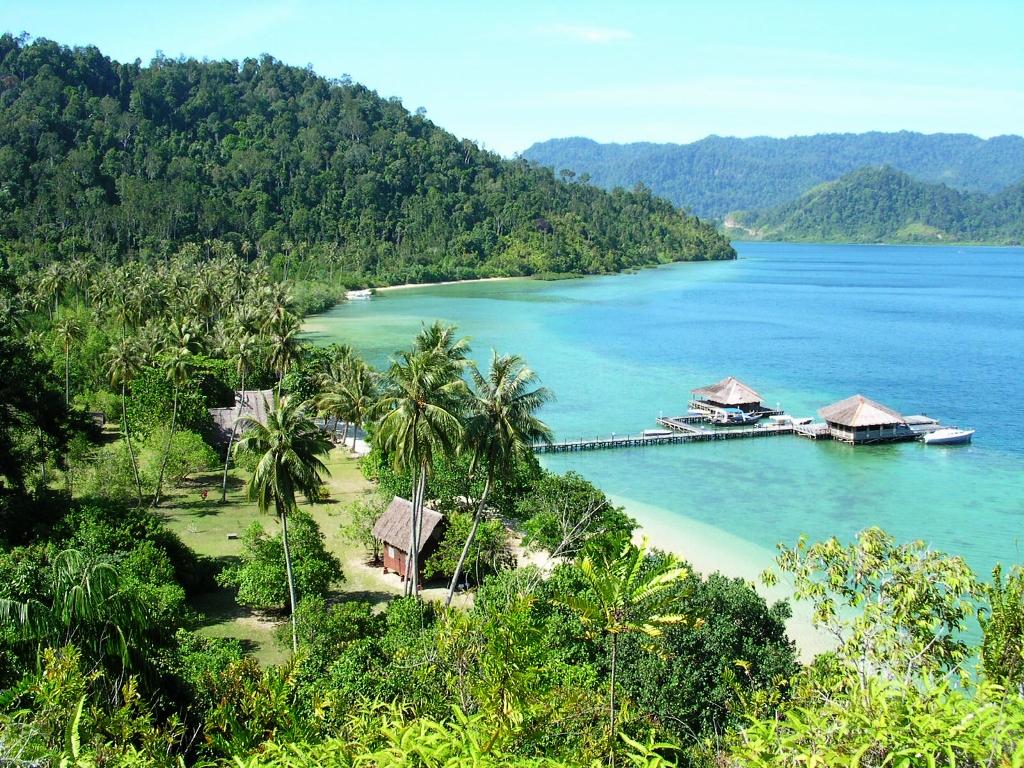 Pantai memikat di Cubadak Paradiso Village.