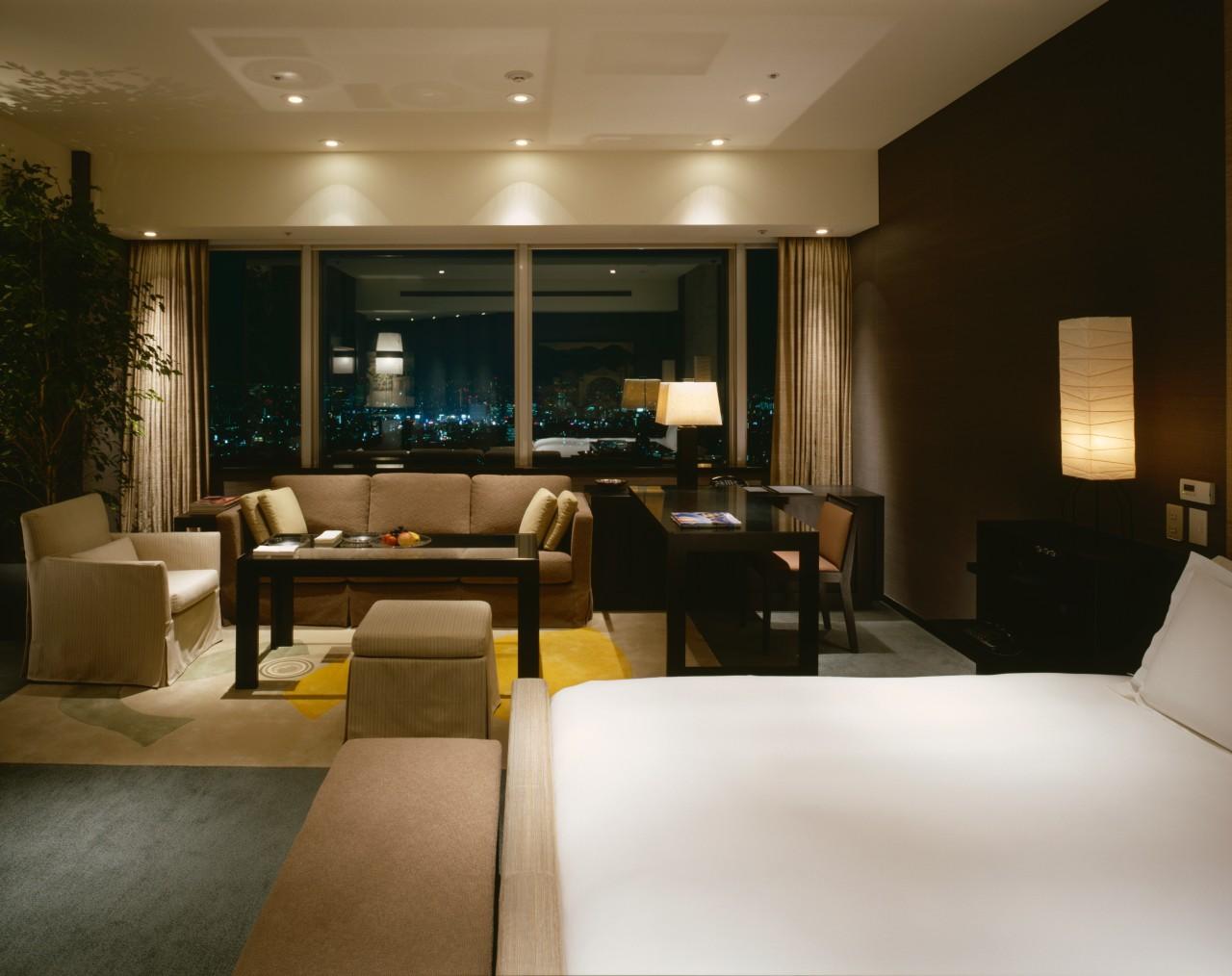 Kamar Diplomat Suite memiliki luas mulai dari 160 meter persegi.