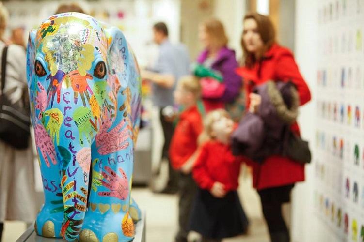 Semua keuntungan yang didapat dari Elephant Parade ini akan disumbangkan ke Asian Elephant Foundation.