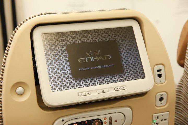 Selain sambungan internet, penumpang juga bisa menikmati siaran televisi secara langsung.
