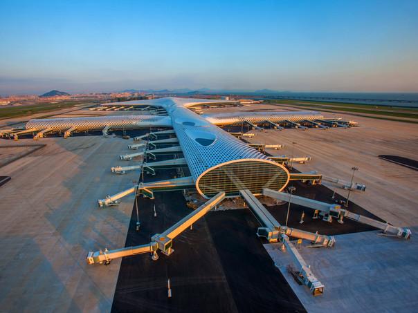 Terminal baru ini memiliki panjang 1,5 kilometer.