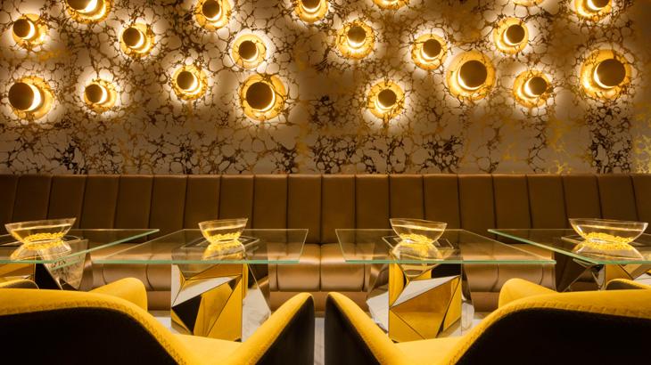 Tata cahaya yang apik turut memperindah interior Gold on 27.
