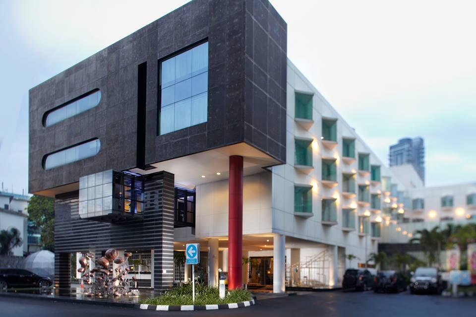 grandkemang, hotel bernuansa modern minimalis di distrik elite.