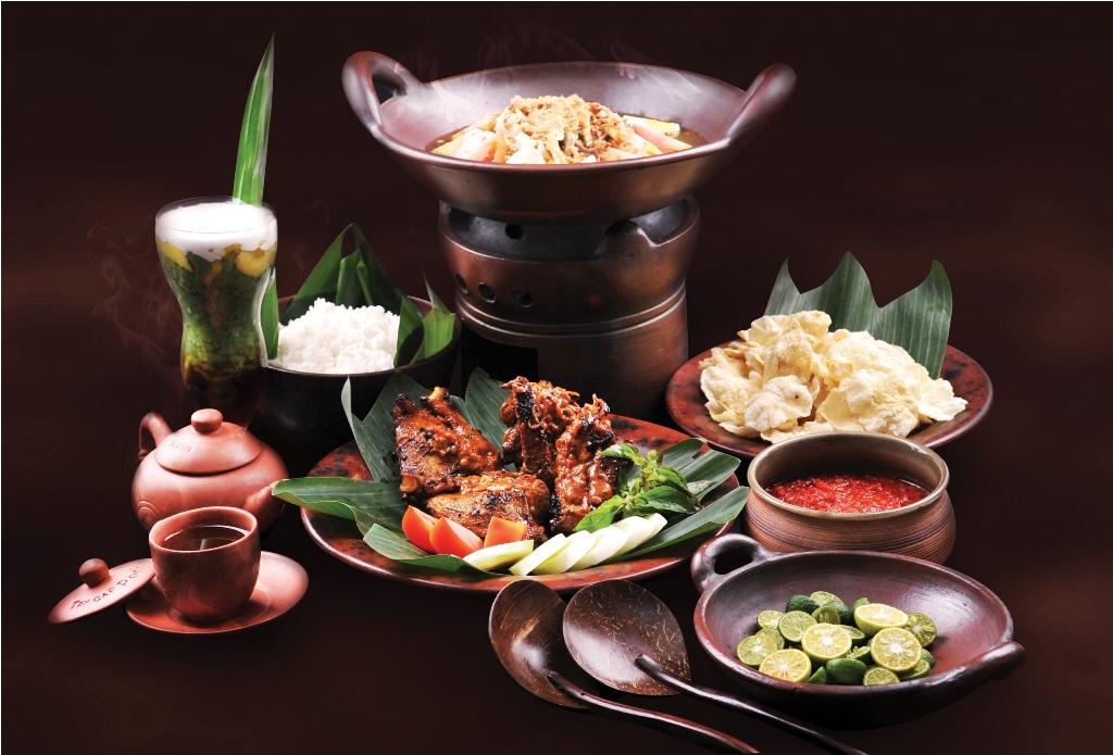 Ke-30 hidangan ikonis itu adalah pilihan Kementerian Pariwisata dan Ekonomi Kreatif.