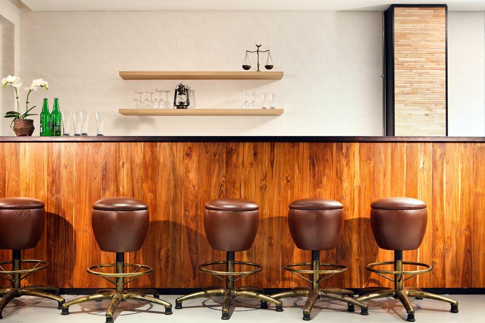 Bar di Hotel Clover.