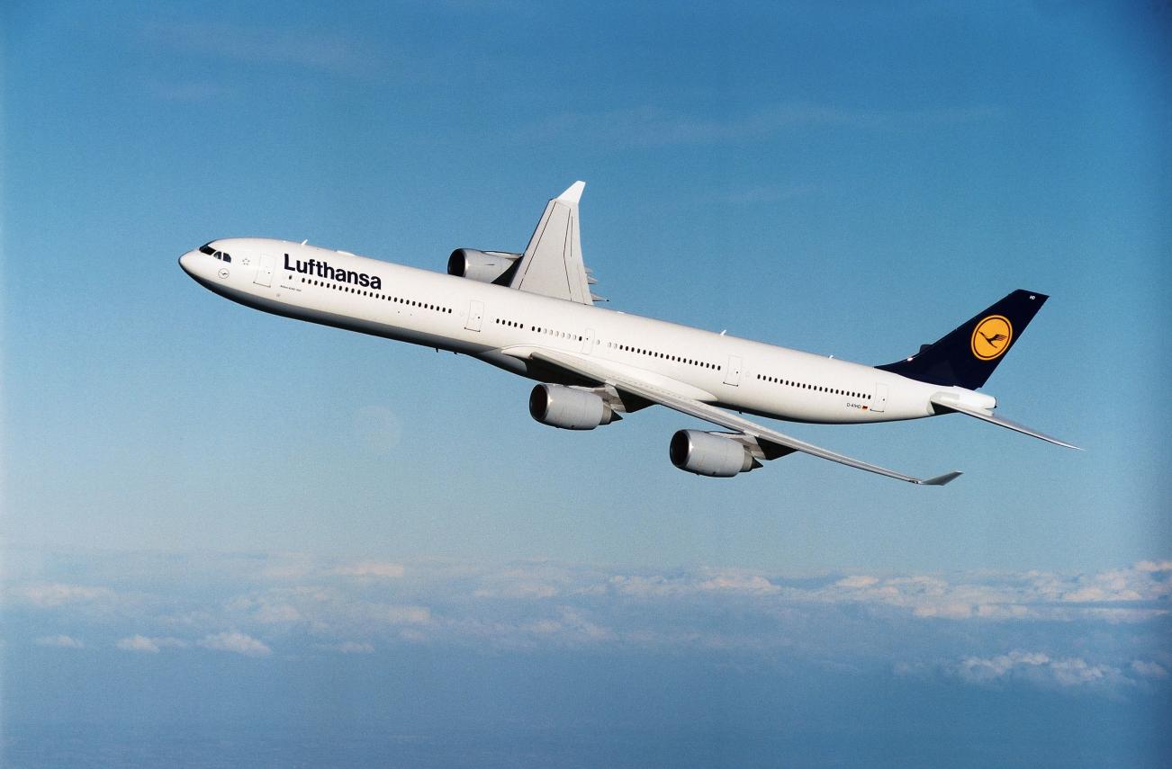 Pesawat Airbus A340 yang digunakan untuk rute Jakarta-Frankfurt.