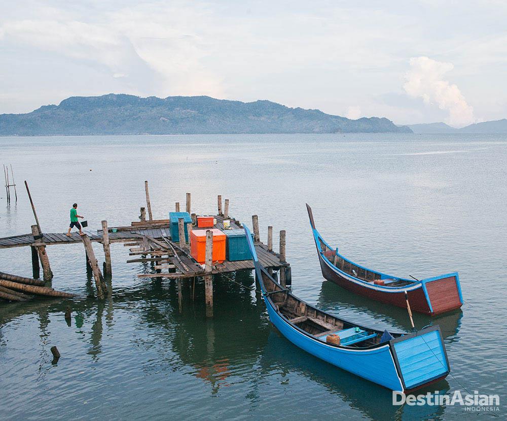 Laut masih menjadi salah satu sumber mata pencaharian penduduk Aceh.