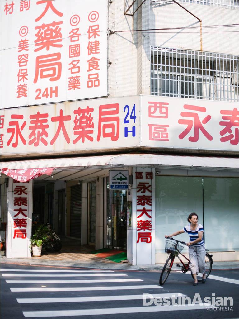 Nyaris semua petunjuk di Taichung ditulis dengan menggunakan bahasa Mandarin.