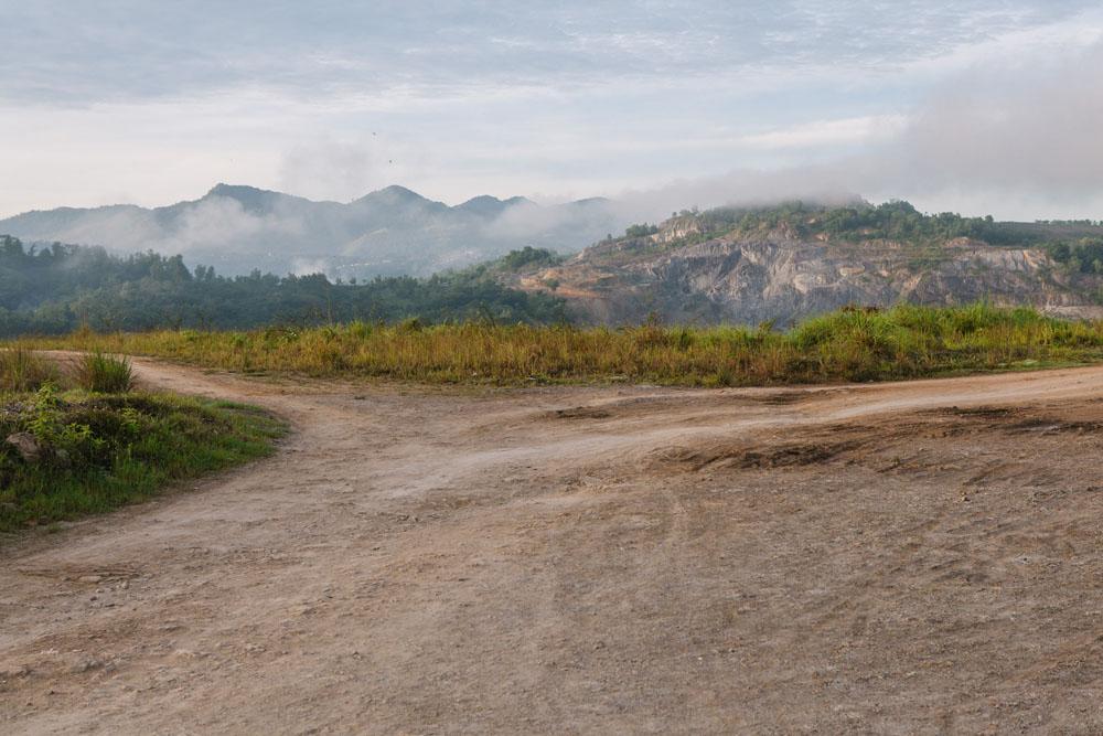 Pemandangan di bekas tambang batu bara di Sawahlunto.