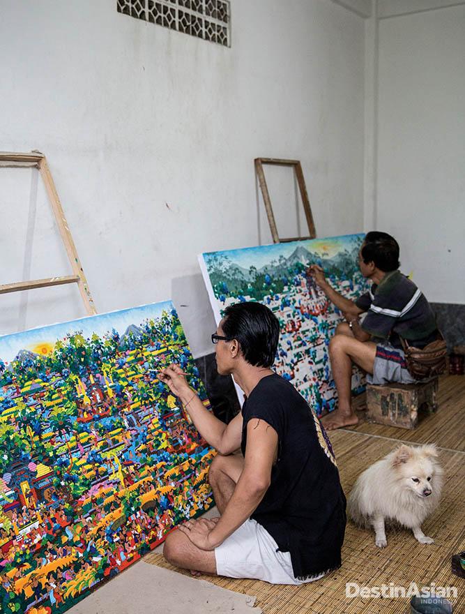 Aktivitas di studio Ketut Soki di Desa Penestanan.