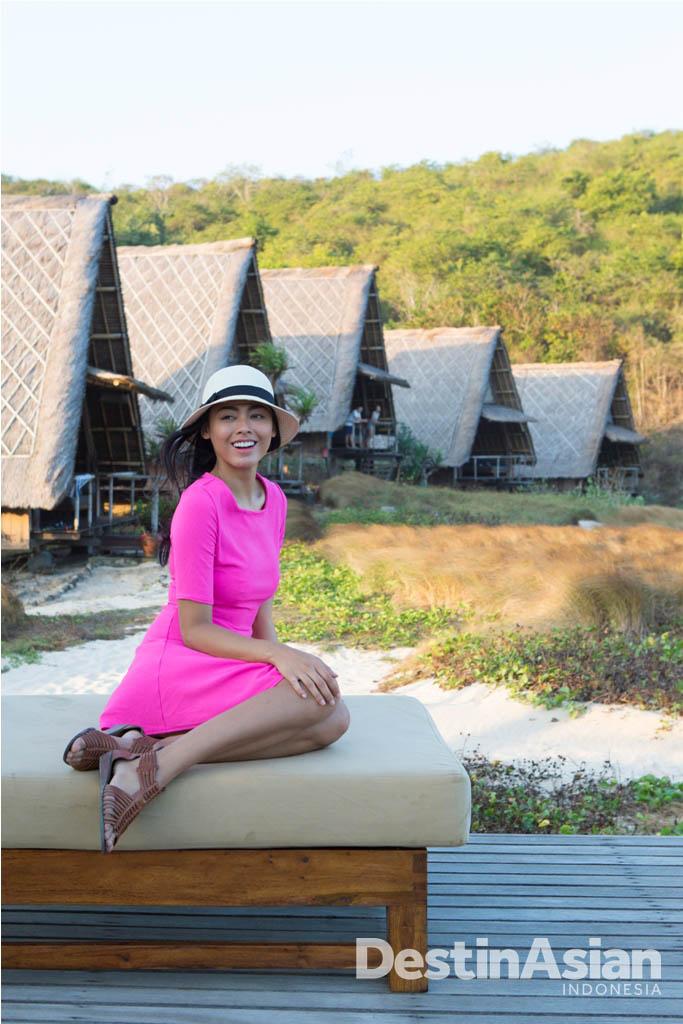 Whulandary menikmati keindahan alam dan ketenangan di resor Jeeva Beloam.