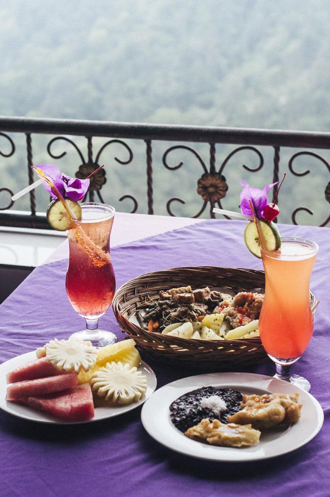 Sajian khas di restoran Grand Puncak Sari.